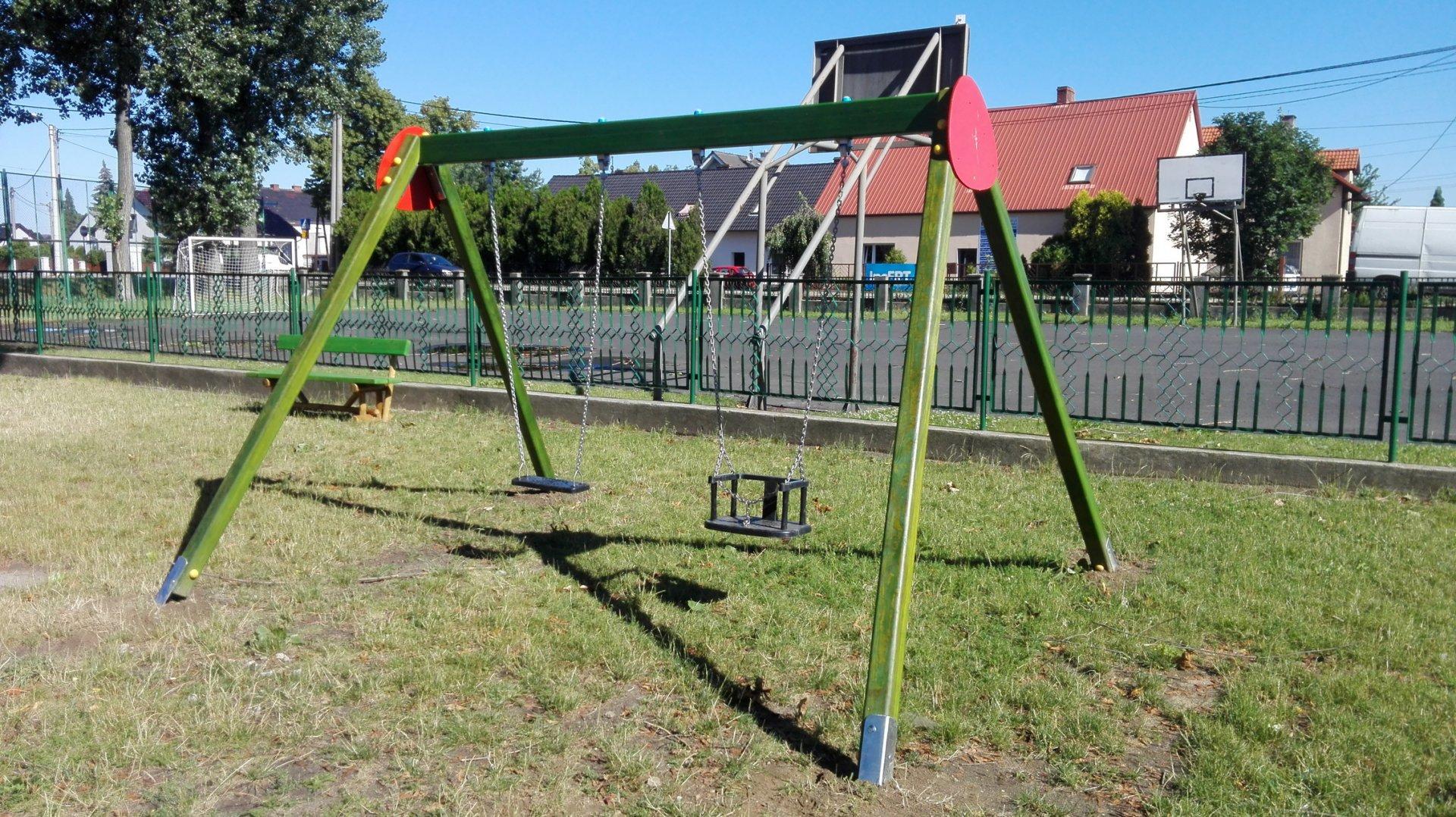 Preferowane Drewniana huśtawka z certyfikatem na publiczne place zabaw - maparo.pl VP-14